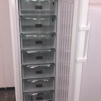 Congélateur armoire Liebherr SmartFrost 7 compartiments